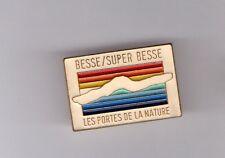 Pin's station de ski / Besse - Super Besse (zamac signé Martineau)