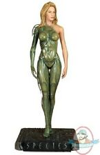 1/4 Scale Species 19 inch Statue by Hollywood Collectibles