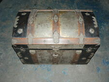 ANTIQUE STEAMER TRUNK VINTAGE TRAVEL CHEST