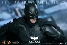 TDKR~BATMAN~BRUCE WAYNE~SIXTH SCALE FIGURE~DX12~HOT TOYS~MIB