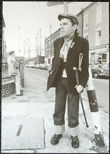 IAN DURY POSTER PAGE . IAN DURY AND THE BLOCKHEADS . Q6
