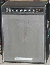 "1973 Traynor YBA-4 1x15"" Speaker Vintage All Tube Bass Combo Amp - S/N 4083371"
