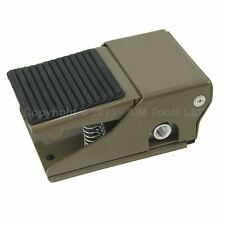214712A Pneumatic 2-Position 3-Way Foot Pedal Air Powered Control Valve Switch