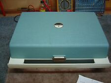 ZENITH 4 SPEED PORTABLE RECORD PLAYER