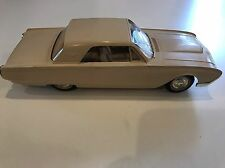 1961 FORD THUNDERBIRD T-BIRD COUPE AMT DEALER PROMO Honey Beige 1/25 Scale