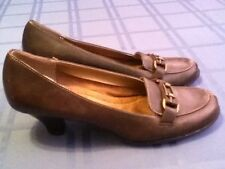 Ladies/Women's-Size 9 1/2-Aerology shoes-brown leather pump shoes.