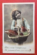 CPA. 1906. 1er AVRIL. Petit garçon. Panier. Poissons.