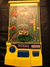 Vintage 1990 TOMY Pitfall Batterie Operated Handheld Maze Game VERY RARE Tested!