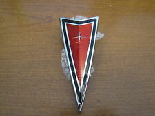 1977-81 FIREBIRD TRANS AM FRONT BUMPER ARROWHEAD EMBLEM, RED