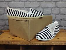 FLOSSY LADIES UK 6.5 EU 40 GREY STRIPED SLIP ON PLIMSOLLS PUMPS SUMMER BEACH