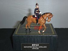 Britains 8910 royal horse artillery mounted officer metal toy soldier figure set