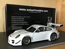 1/18 AUTOART 81070 Porsche 911 (997) GT3 R 2010 Plain body version white