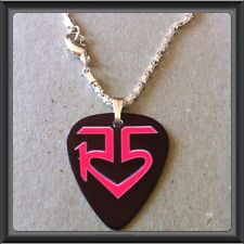 "R5 BAND-ROSS LYNCH Guitar Pick WITH 16.5"" SILVER PLATED SNAKE NECKLACE/#4"