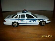 Motormax Ford Crown Victoria NYPD Squad Car in 1/24 scale Loose