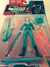 STARSHIP TROOPERS BUG THRASHER CARMEN IBANEZ FIGURE MINT ON CARD FROM 1997 NEW!