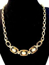 LOVELY 1970'S TRIFARI TM GOLDTONE NECKLACE FAUX PEARL CRYSTAL RHINESTONE PENDANT