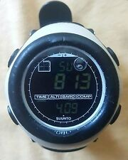 SUUNTO VECTOR mountain with watch Altimeter , Barometer & Compass + Temperature