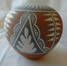 Wonderful Jemez Pueblo Pottery Seed Pot by Mary Small 1987