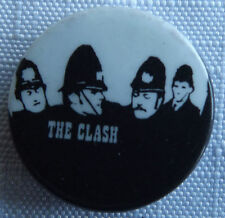 THE CLASH Vintage 70`s/80`s 25mm Button Pin Badge Punk Rock UK Made #TC.105