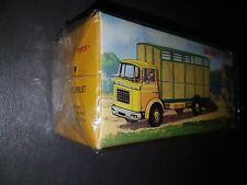 DINKY TOYS 577 CAMION BERLIET GAK BETAILLIERE  référence 577 NEUF