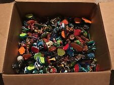 LOT OF 142 SKYLANDERS FIGURES FROM ALL GENER, 3 NINTENDO WII/U GAMES & 5 PORTALS