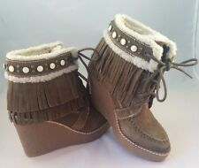 $150 SAM EDELMAN Kemper Faux Shearling Fringe Suede Wedge Boots Moss Green 4 NEW