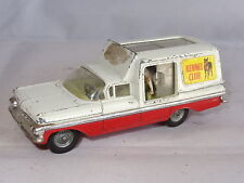 corgi CHEVROLET IMPALA KENNEL CLUB WITH DOG - 486