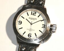 MADISON New York - ESSEX BIG Herrenarmbanduhr - Leder - Kronenschutz - Neuware