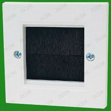 1 Gang, Brush Plate, Cable Tidy Entry, TV, AV, Wall Outlet