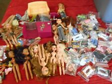 Huge Lot of Bratz Dolls BEAUTY SALON COUCH CLOTHING SHOES PURSES BOOTS SANDLES