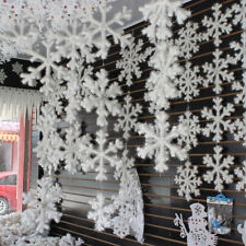 Hot 30Pcs Snowflake Decoration Plastic Snowflake Decor Christmas Ornaments