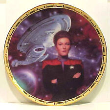 Captain JANEWAY & Voyagerr- Star Trek Power of Command Plate