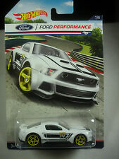 Hot Wheels 2016-1:64 - Ford Performance Custom 2014 Ford Mustang White 7/8
