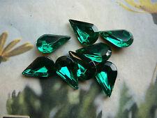 GLASSTEINE (Böhm.) TROPFEN grün facettiert 12,5 mm lang aus GABLONZ  (8)