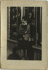 PHOTO ANCIENNE - VINTAGE SNAPSHOT - BOUTIQUE MAGASIN CHAPELIER CHAPEAU -HAT SHOP