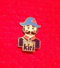 Fromage Un gendarme offert par Kiri - Pin Badge