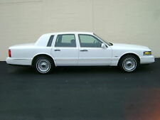 Lincoln: Town Car Executive