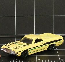 72 Yellow Ford Ranchero 2014 134/250 Hot Wheels Die Cast loose Off Road truck