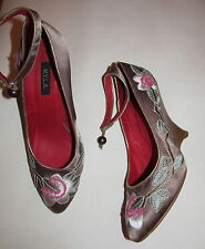 N.Y.L.A. LUCKIE beige taupe satin wedge platform flower embroidered shoes 8