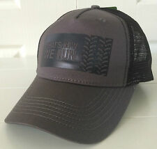John Deere Gray & Black Fabric w Mesh Back Hat Cap Vintage Logo