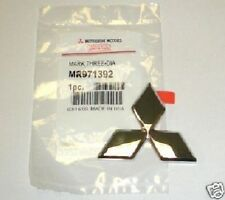Emblem Badge Front Galant Mitsubishi Triple Diamond 2002 - 2003  NEW MR971392