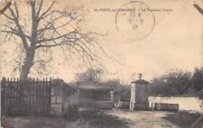 CPA 17 SAINT FORT SUR GIRONDE LA FONTAINE LAVOIR (cliché pas courant