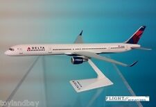 Flight Miniatures Delta Airlines Boeing 757-300 1:200 Scale 2007 Livery w/ Stand