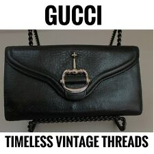 GUCCI BUTTERY Bifold HORSEBIT Accent HARDWARE Pebbled LEATHER CONTINENTAL WALLET