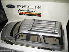 UT 1.18 FORD EXPEDITION EDDIE BAUER VERSION SILVER  AWESOME LOOKING