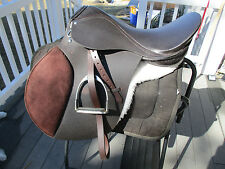 "19"" Medium wide cambridge international A/P English Saddle.w leathers & irons"