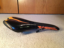 Velo Vivimax Emirates E2 Bicycle Saddle