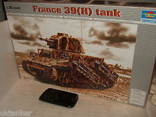 Trumpeter 00352 France 39 (H) Tank Model Kit in 1:35 Scale.