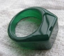 NATURAL GREEN    Agate  MAN OR WOMAN RING SIZE9 REAL NATURAL JADE NOT GLASS