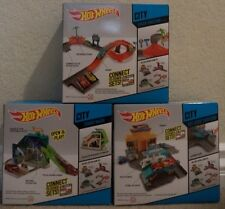 HOT WHEELS CITY SETS PIT STOP STATION TURBO WASH & SPEED JUNCTION W/ CARS *NEW*